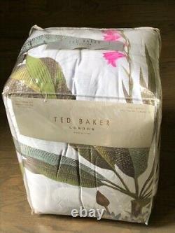 TED BAKER Pistachio Border Gray withPink Flamingos /Bird Full/Queen Comforter Set